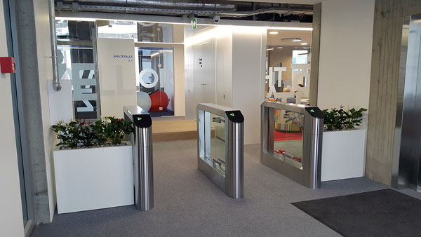oxgard speedgates at transferwise office 4